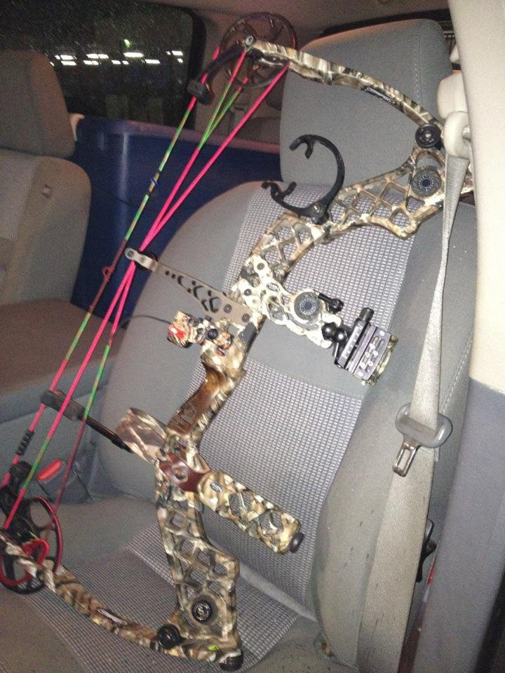 Left or Right Hand-Mathews,Hoyt Black NEW Axion 5 Inch GLZ Bow Stabilizer ++