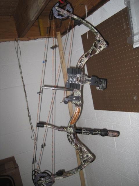 ***F/S F/T 2010 Elite GT 500 70, 29, RH MAX-1 *** - Bows for sale or trade
