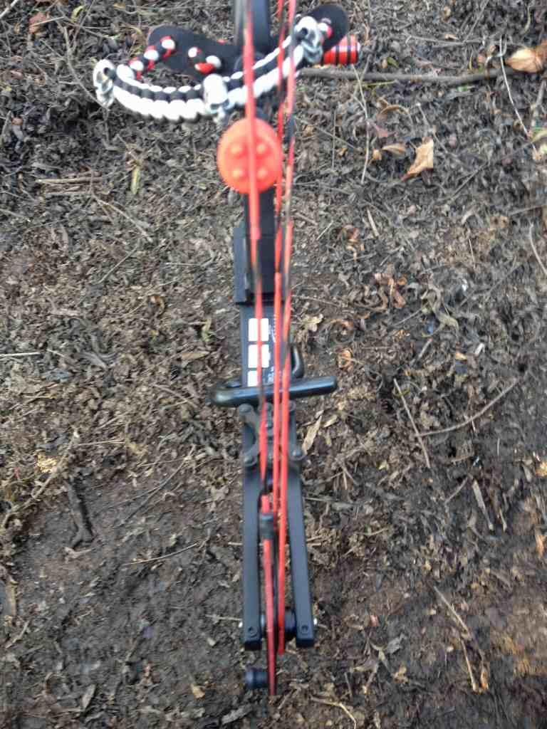 Third Hand Archery Ground Stand Bow Holder